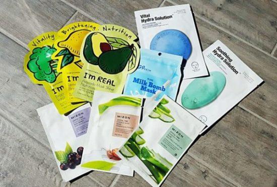 Masque en tissu: une boisson vitaminée pour la peau