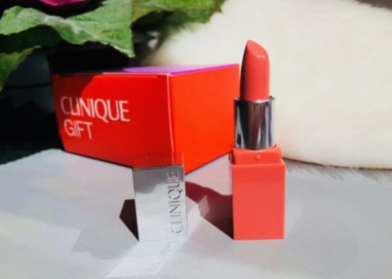 Rouge à lèvres Clinique couleur intense new pharma