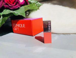 Rouge à lèvres clinique corail