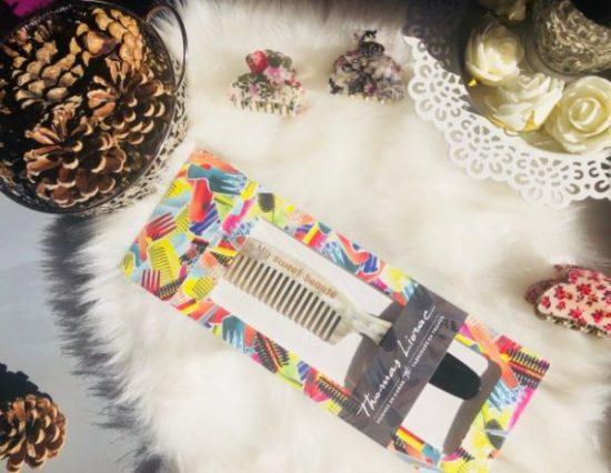 Le peigne en corne de Thomas Liorac pour des cheveux plus brillants et soyeux