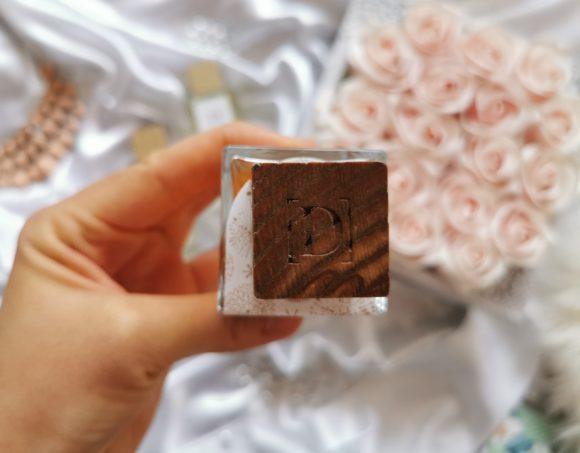 Flacon parfum joli