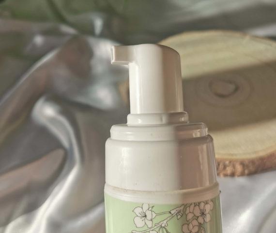 Mousse nettoyante peau sèche